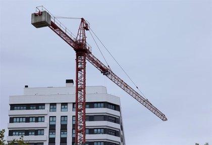 La firma de hipotecas sobre viviendas cae un 6,1% en agosto en Andalucía frente a un descenso del 3,4% en España