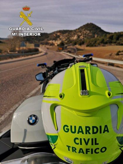 Investigado por grabarse conduciendo a 182 kilómetros por hora en una carretera de 90 en Guadalajara