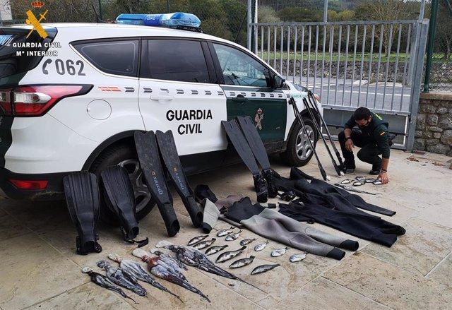 Nota De Prensa Guardia Civil Detiene A Tres Personas Pesca Submarina