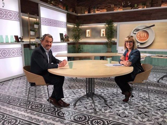 L'expresident de la Generalitat Artur Mas i la periodista Gemma Nierga