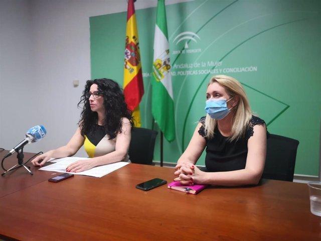 La consejera de Igualdad, Rocío Ruiz, junto a la directora del IAM, Laura Fernández, en una imagen de archivo