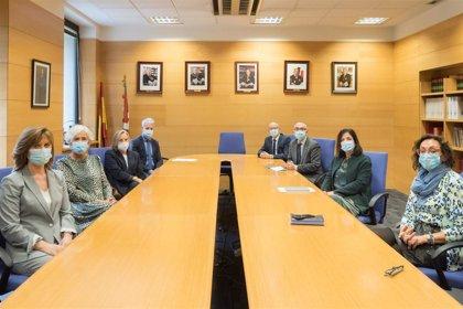 Artolazabal se reúne con la cúpula del TSJPV antes de la Comisión Mixta, que ha tratado el expediente electrónico