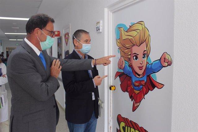 Nueva decoración con superhéroes de Marvel de la planta de Pediatría del Hospital de la Axarquía