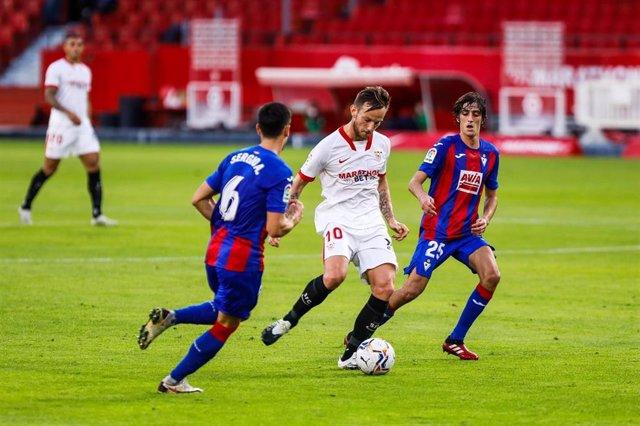 Ivan Rakitic of Sevilla during LaLiga, football match played between Sevilla Futbol Club and Sociedad Deportiva Eibar at Ramon Sanchez Pizjuan Stadium on October 24, 2020 in Sevilla, Spain.