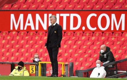 El Manchester United prepara Old Trafford para acoger hasta 23.500 aficionados con distancia social