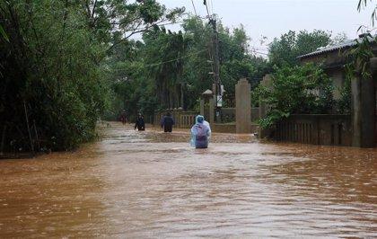 El tifón 'Molave' deja dos muertos y más de una veintena de desaparecidos tras tocar tierra en Vietnam