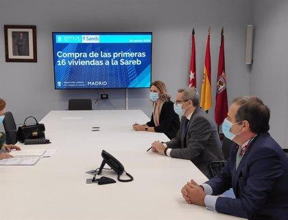 Sareb vende 16 viviendas al Ayuntamiento de Madrid por 1,67 millones