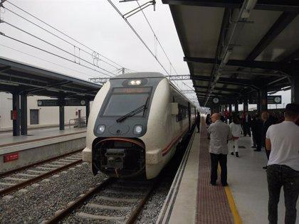 Los presupuestos contemplan diez millones a la línea Huelva-Sevilla y 2,6 millones al control del litoral de Huelva