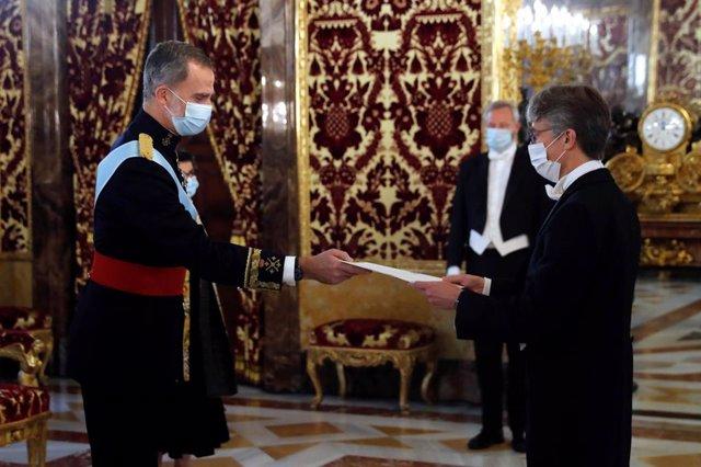 Su Majestad el Rey recibe las Cartas Credenciales del embajador del Reino de Bél
