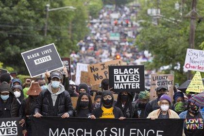 El alcalde de Filadelfia impone un toque de queda tras dos noches de disturbios por la muerte de Walter Wallace