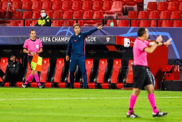 Julen Lopetegui, head coach of Sevilla, during UEFA Champions League, football m