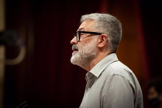 El portaveu de la CUP al Parlament, Carles Riera, en una sessió plenària monogràfica sobre la inhabilitació de l'expresident de la Generalitat Quim Torra. Barcelona, Catalunya (Espanya), 30 de setembre del 2020.