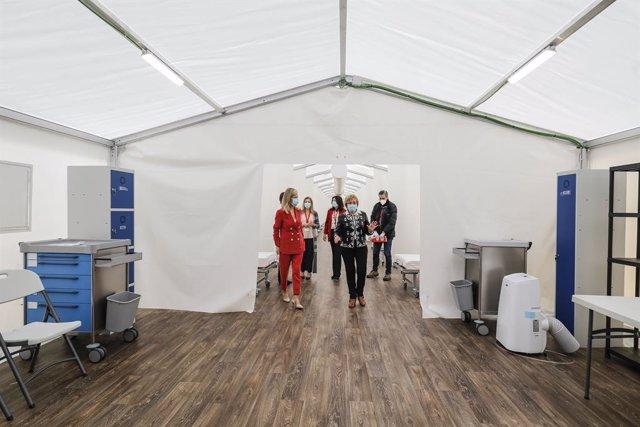 Instal·lacions del 'hospital de campanya' construït al costat de l'Hospital La Fe a València