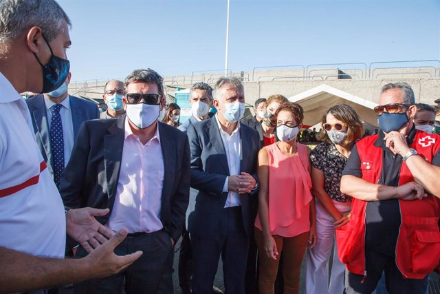 El ministro de Inclusión, Seguridad Social y Migraciones, José Luis Escrivá, en su último viaje a Gran Canaria donde visitó el Muelle de Arguineguín
