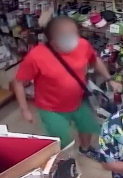 Detenido un ladrón reincidente tras el robo de un móvil en una furgoneta de una empresa de seguridad
