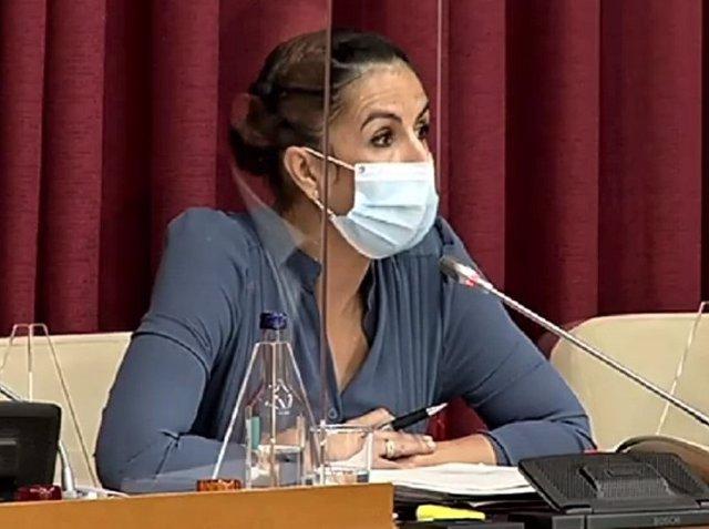 La concejala de Economía y Hacienda, Esmeralda Campos, defiende las Ordenanzas fiscales del Ayuntamiento de Logroño para 2021.
