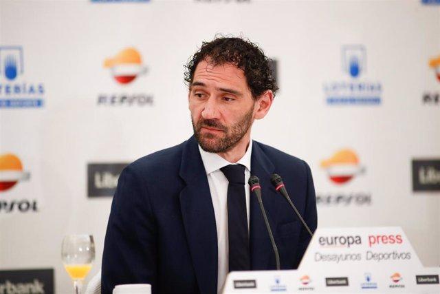 Jorge Garbajosa durante su participación en los Desayunos Deportivos de Europa Press