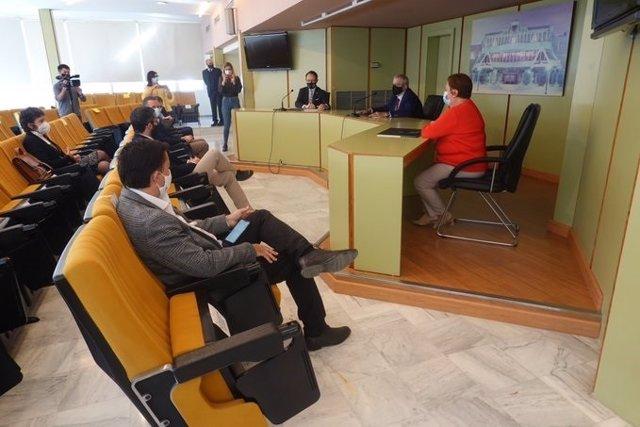 El fiscal superior de la Región, José Luis Díaz Manzanera, presenta la Memoria de la Fiscalía relativa al año 2019 a los grupos parlamentarios