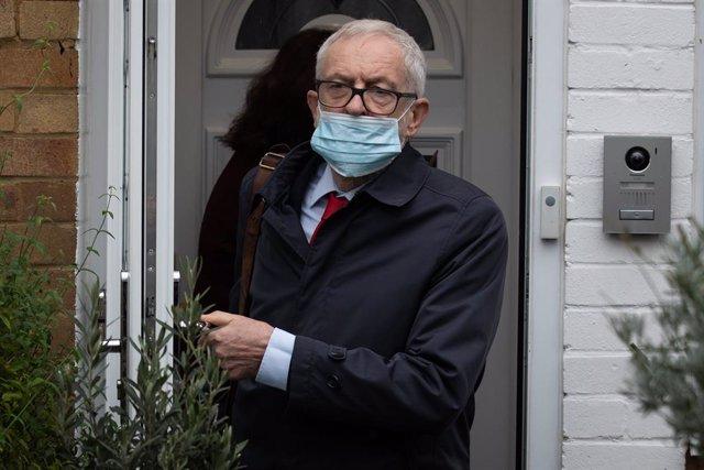 29 October 2020, England, London: Former UK Labour leader Jeremy Corbyn leaves h
