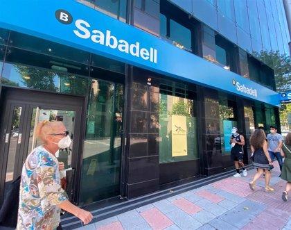 UGT llama a la tranquilidad ante el plan de ajuste del Sabadell, que contempla hasta 2.000 salidas