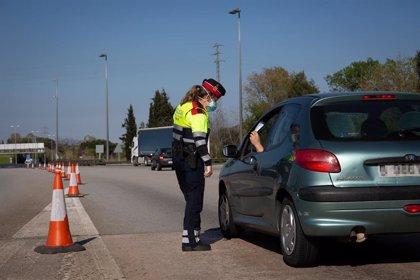 Policías Locales y 5.000 mossos controlarán el confinamiento municipal