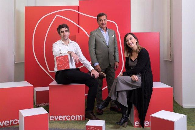 La agencia de comunicación Evercom refresca su marca