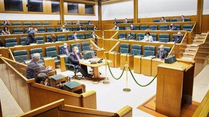 """Cámara vasca pide """"explorar las vías necesarias"""" para acoger en Euskadi al mayor número de refugiados en vulnerabilidad"""