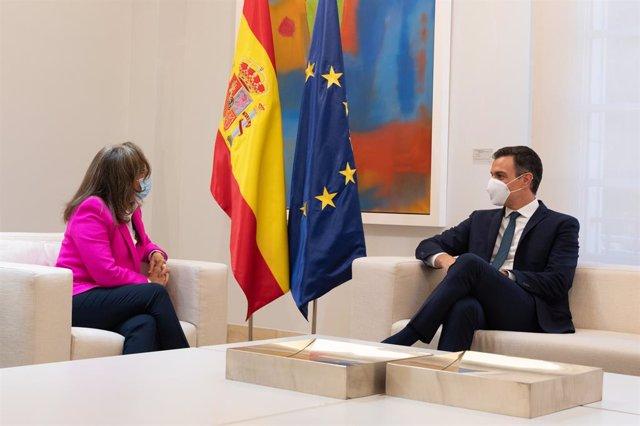 Pedro Sánchez y la secretaria general iberoamericana se reúnen para impulsar la cumbre iberoamericana