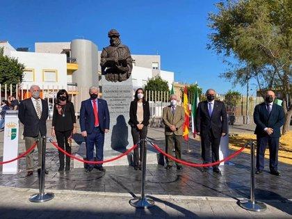 Santiponce (Sevilla) estrena su estatua del autor de la Biblia del Oso por el quinto centenario de su nacimiento