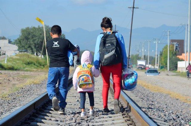 Menores migrantes en la fronera de México.