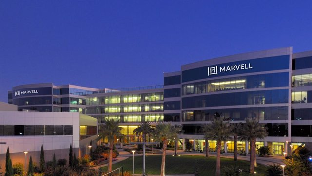 Logo de la empresa Marvell Technologies en sus oficinas.