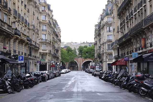 Una calle de París durante el coronavirus.
