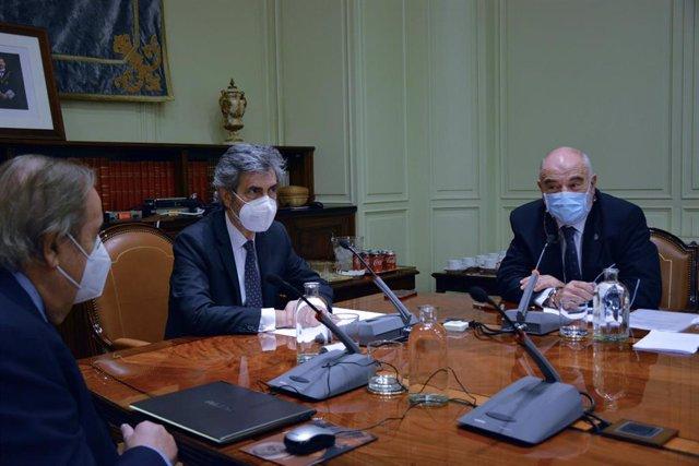 El presidente del Tribunal Supremo y del Consejo General del Poder Judicial (CGPJ), Carlos Lesmes preside un pleno extraordinario en el CGPJ, en Madrid (España), a 28 de octubre de 2020.