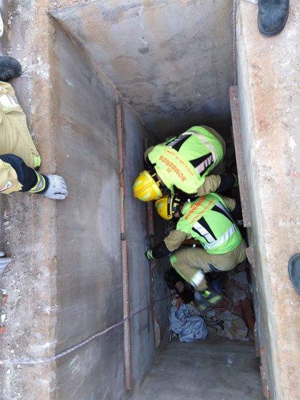 Rescatado un octogenario tras precipitarse a una fosa en el cementerio de Osa de la Vega (Cuenca)