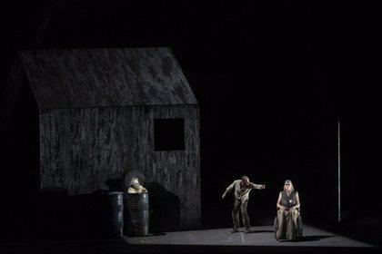 Les Arts se toma un respiro del repertorio clásico con el estreno en España de la teatral y sombría 'Fin de partie'