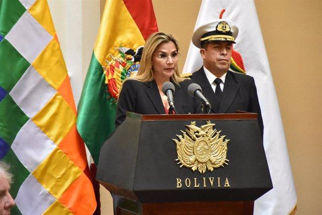 La presidenta saliente de Bolivia, Jeanine Áñez