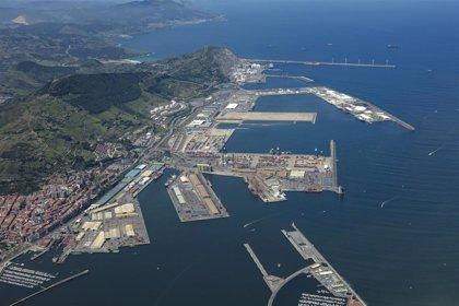 Gobierno Vasco pide a Ábalos que medie para tratar de solucionar el conflicto de los estibadores en el Puerto de Bilbao