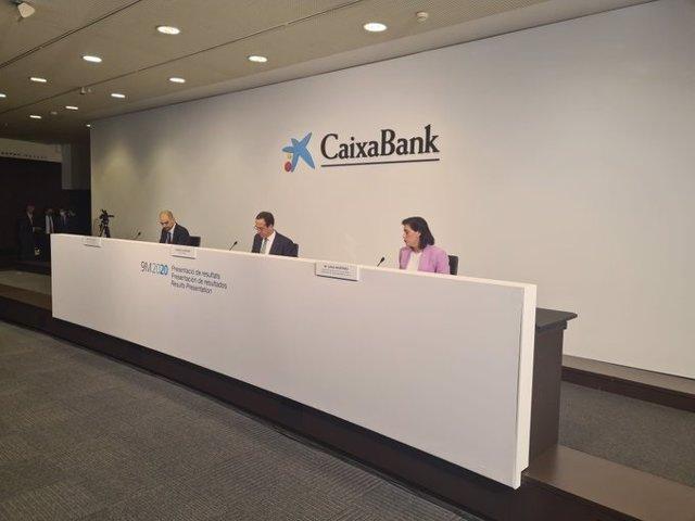 Caixabank presenta els resultats del tercer trimestre amb el seu conseller delegat, Gonzalo Gortázar