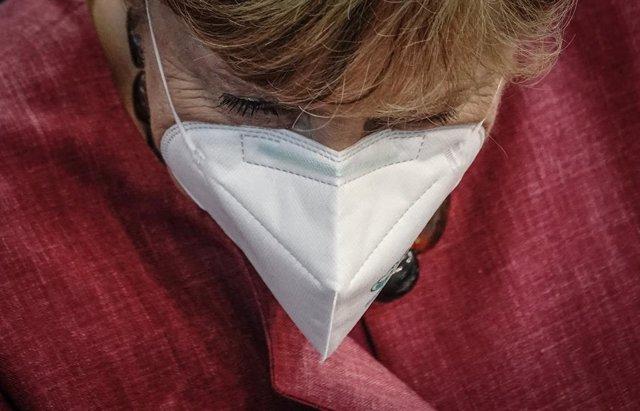 Angela Merkel al término de su comparecencia en el Bundestag