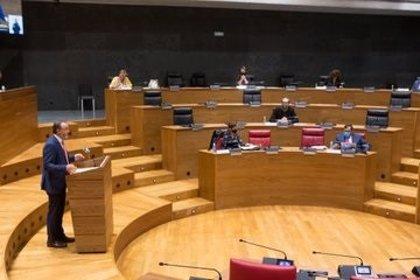 """El Parlamento foral pide pruebas de Covid """"suficientes"""" para que la positividad sea menor al 4%"""