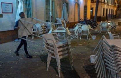 """Vox Sevilla teme una """"avalancha de cierres"""" en la hostelería, apoya al sector y señala el ejemplo alemán"""