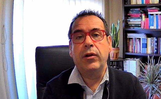 El coordinador regional de IU en C-LM, Juan Ramón Crespo