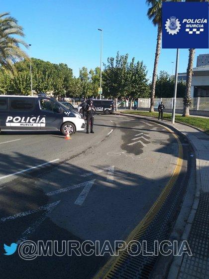 La Policía Local de Murcia denuncia a 60 personas en una noche por incumplir el toque de queda
