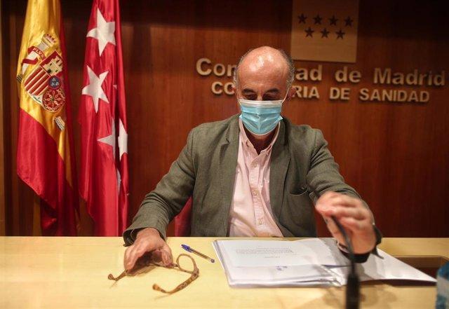 El viceconsejero de Salud Pública y Plan COVID-19 de la Comunidad de Madrid, Antonio Zapatero, durante su comparecencia en la Consejería de Sanidad, en Madrid (España), a 30 de octubre de 2020.