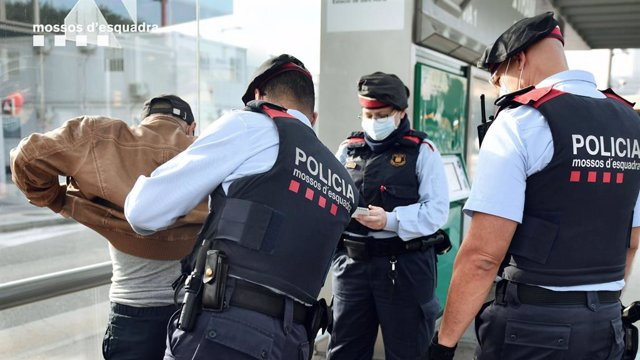 Els Mossos d'Esquadra intercepten 24 multireincidents al Tram i Rodalies en 15 dies