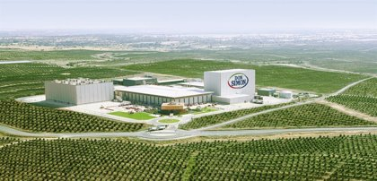 García Carrión amplía sus hectáreas de naranjos en Huelva y se autoabastecerá en tres años con energías renovables