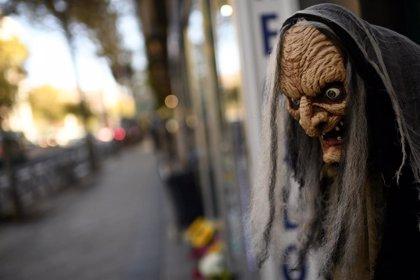 La Comunidad señala la necesidad de llevar mascarilla aunque se lleve máscara de Halloween
