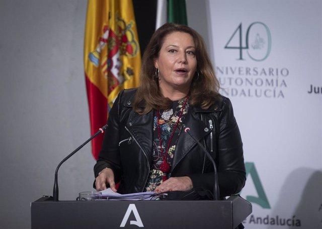 La consejera de Agricultura, Ganadería, Pesca y Desarrollo Sostenible, Carmen Crespo, durante su intervención en la rueda de prensa posterior al Consejo de Gobierno de la Junta de Andalucía, foto de archivo