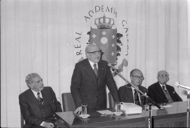 Año Carvalho Calero, homenajeado en las Letras Galegas