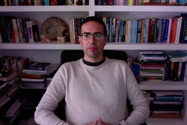 El profesor del Departamento de Matemáticas de la UCLM Gabriel Fernández